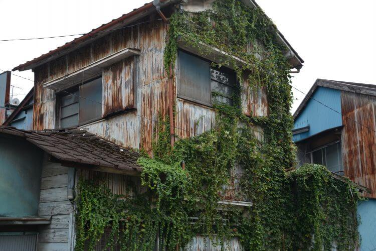 売れないケースその① 建物がボロボロでとても住めない